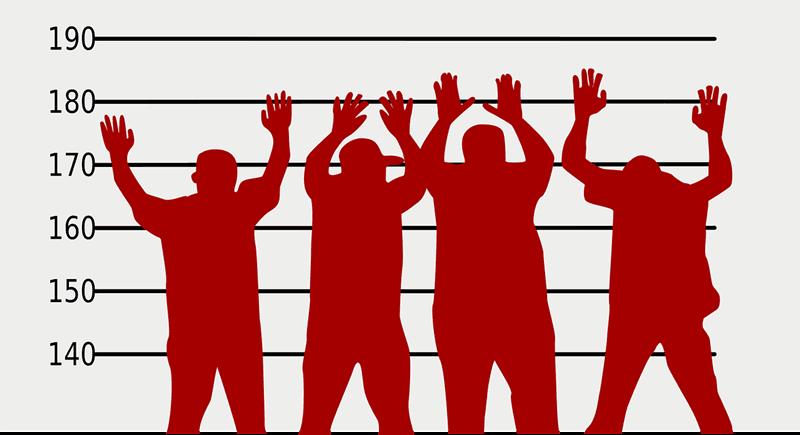 並んだ容疑者のシルエット