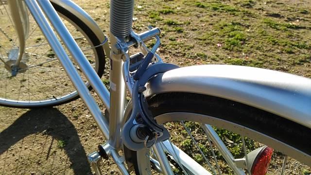 通販自転車シティサイクル 後輪 リング錠 ロック