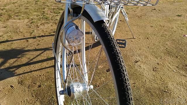 通販自転車シティサイクル 前輪 LEDオートライト