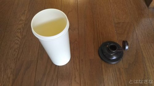 散布用の容器として使った水筒